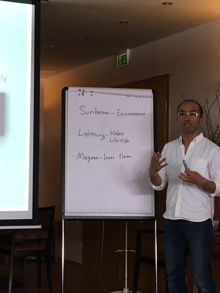 楠本式治療技術スクール 推薦の声 飯田朋秀先生
